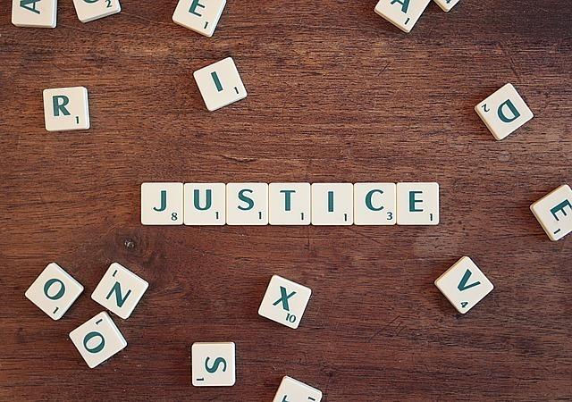 justice-2755765_640.jpg